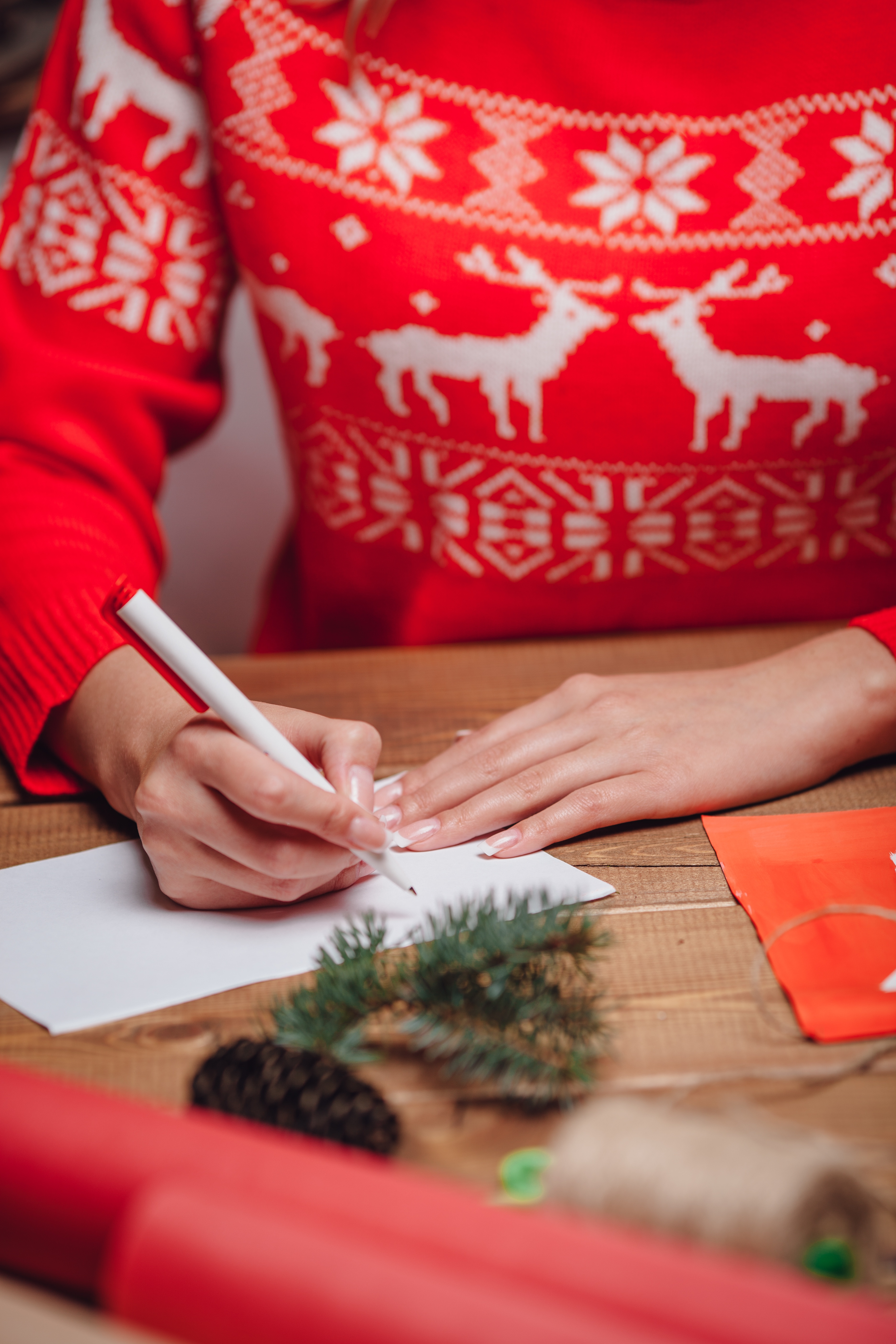 writing christmas cards to customers